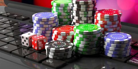 spielen Menschen während der Quarantäne in Online-Casinos